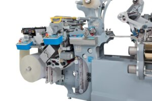 CARTES_GT360_unwinder_with-lamination-and-VARNISHING-SYSTEM
